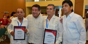 Entrega Gobernador reconocimiento al Mérito Médico 2013