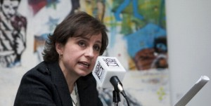 Otorgan a Carmen Aristegui premio Excelencia Periodística 2013