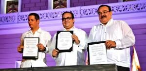 Firman Veracruz y Federación convenio para dotar de viviendas a policías estatales