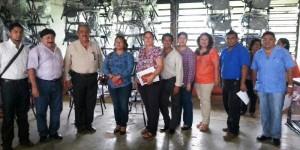 Entrega gobierno de Teapa Mobiliarios a Instituciones Educativas