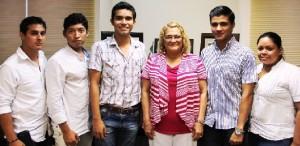 Nuevo Comité Ejecutivo del Colegio de Estudiantes, se presenta ante Rectora de la UQROO