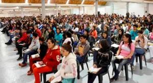 Alumnos presentan examen para entrar a la UJAT
