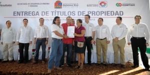 Entrega el gobernador Roberto Borge títulos de propiedad a mil 249 familias Benitojuarenses