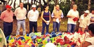 Lleva SEDESOL ayuda a comunidades afectadas por lluvias en Catemaco