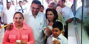 Llama gobernador de Yucatan a solidarizarse con el Teletón 2013