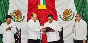 Entrega el secretario de Gobierno Primer Informe del gobernador de Tabasco