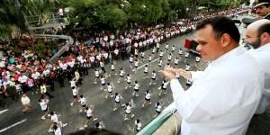 Emotividad y fervor patriótico en desfile conmemorativo a la Revolución Mexicana en Yucatán