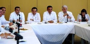 Autoridades y sector empresarial intercambian ideas para fortalecer la economía yucateca