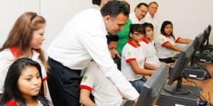 El futuro de Yucatán está en los jóvenes: Rolando Zapata Bello