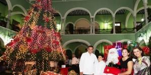 Inician festejos de la temporada decembrina en Palacio de Gobierno de Yucatán