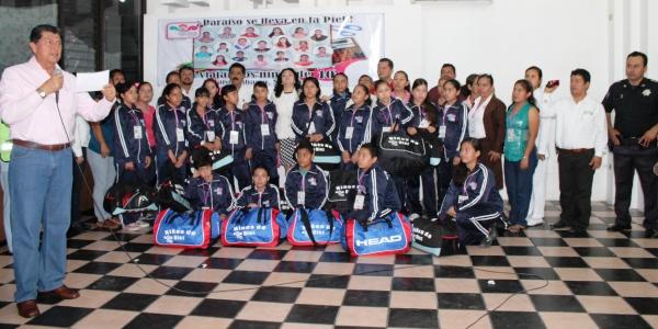 Premia gobierno municipal esfuerzo y dedicación de Niños de 10 (1)