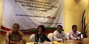 Entregan títulos de propiedad a familias de la colonia Colosio en Playa del Carmen