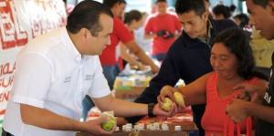 """Reinicia con gran éxito en Cancún el Programa """"Reciclando Basura por Alimento"""""""