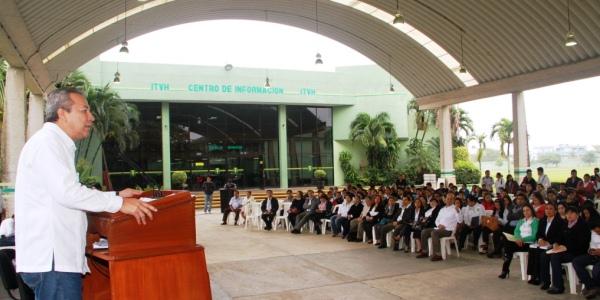 Alcalde asiste a ceremonia Inicio de Cursos ITEV 00
