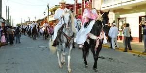 Participan más de 600 jinetes en la tradicional cabalgata en honor a la Virgen de La Candelaria