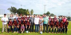 Todo el apoyo al fútbol y al deporte en Centro: Bertruy