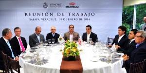 La obra pública de Veracruz, para constructores locales: Javier Duarte