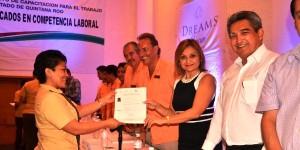 Entrega ICATQROO 52 Certificaciones a trabajadores del hotel Dreams en Cancún