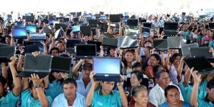 Más de mil estudiantes en Yucatán reciben computadoras del programa Bienestar Digital