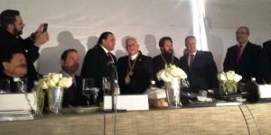 El gobernador Roberto Borge felicita al Arzobispo de la Iglesia Ortodoxa, Antonio Chedraui Tannous en su cumpleaños