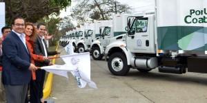 Entrega Javier Duarte vehículos para limpia pública en Coatzacoalcos
