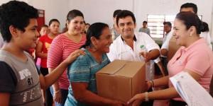 Entrega Elda Llergo mil 120 despensas a familias de 19 comunidades en Teapa