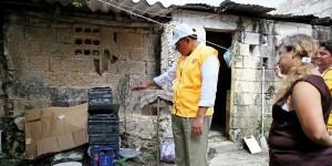 Rolando Zapata Bello acompaña la brigada de fumigación contra dengue en Yucatán