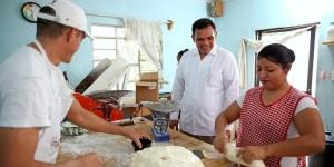 Constata el Gobernador de Yucatán que el empleo se genera donde se necesita