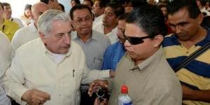 "Cumple gobernador de Tabasco promesa de otorgar programas sociales; inicia ""Corazón amigo"""