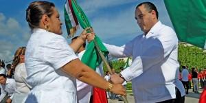 Encabeza el gobernador en Cancún ceremonia conmemorativa del Día de la Bandera