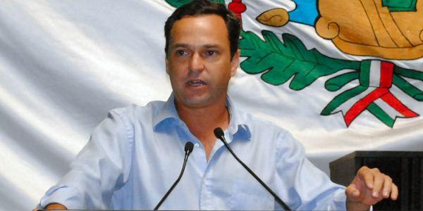 Alcalde de cancun Paul Carrillo
