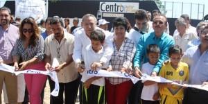 Cancha de fútbol rápido de pasto sintético para villa Playas del Rosario: Bertruy