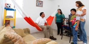 Construyen viviendas dignas para familias yucatecas