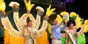 Corona Paul Carrillo a soberanos del Carnaval Cancún 2014