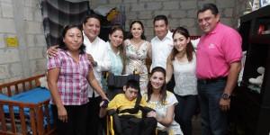 Entrega Mariana Zorrilla de Borge apoyos a niños y abuelitos de Carrillo Puerto