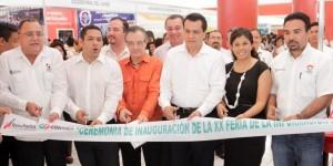 Inauguran la XX Exporienta 2014 en la Universidad Tecnológica de Cancún