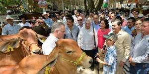 Participan ganaderos de la región y del norte del país en Feria Tabasco 2014