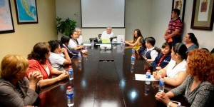 Convive Núñez con integrantes del Noveno Parlamento Infantil