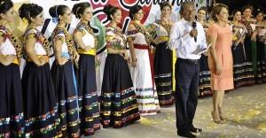 Lleva ramillete de Flores la algarabía de la Feria a La Chontalpa