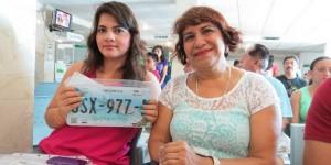 Miles de ciudadanos en Quintana Roo aprovechan sábado para efectuar remplacamiento