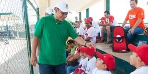 Gobernador visita Unidad Deportiva de la Liga Yucatán