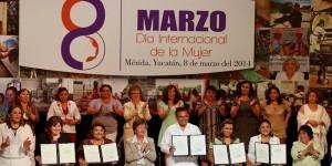 Presenta Gobernador iniciativas para proteger a mujeres yucatecas