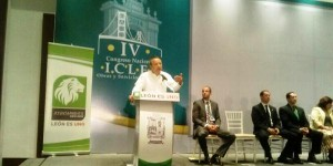 Aporta Centro experiencias en materia de desarrollo sustentable en Congreso Nacional