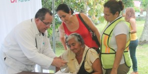 Garantiza gobierno de Paraíso atención médica de calidad