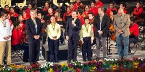 Asisten Velasco y Salinas Pliego al debut de la Orquesta Sinfónica Esperanza Azteca