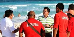 Supervisa Fredy Marrufo acciones del Plan de Auxilio Turísticos playas de Cozumel