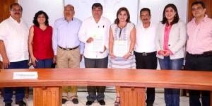 Firma la UJAT convenio con el INCA en beneficio de productores