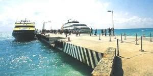 Frena Peña Nieto incremento a tarifas marítimas ruta Cozumel-Playa del Carmen: Roberto Borge