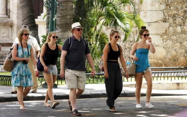 turistas en merida altas temperaturas