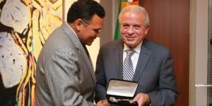 Recibe Gobernador Rolando Zapata Bello llaves de la ciudad de Miami